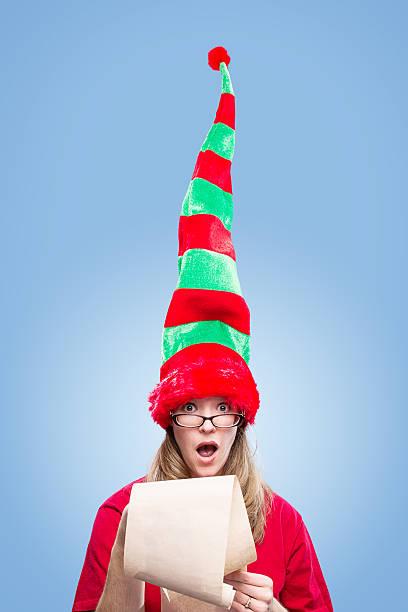 süße elf von dem weihnachts-liste - elfenkostüm damen stock-fotos und bilder