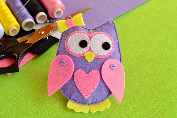 cute felt owl, kids crafts - filzen kinder stock-fotos und bilder