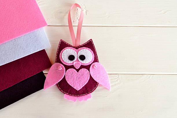 cute felt owl - diy eule stock-fotos und bilder