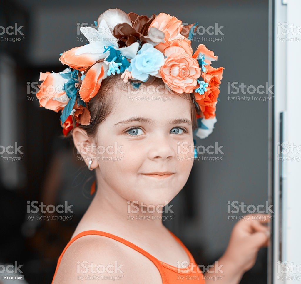 Cute Girl With Flower Crown Stock Photo More Pictures Of 6 7 Years