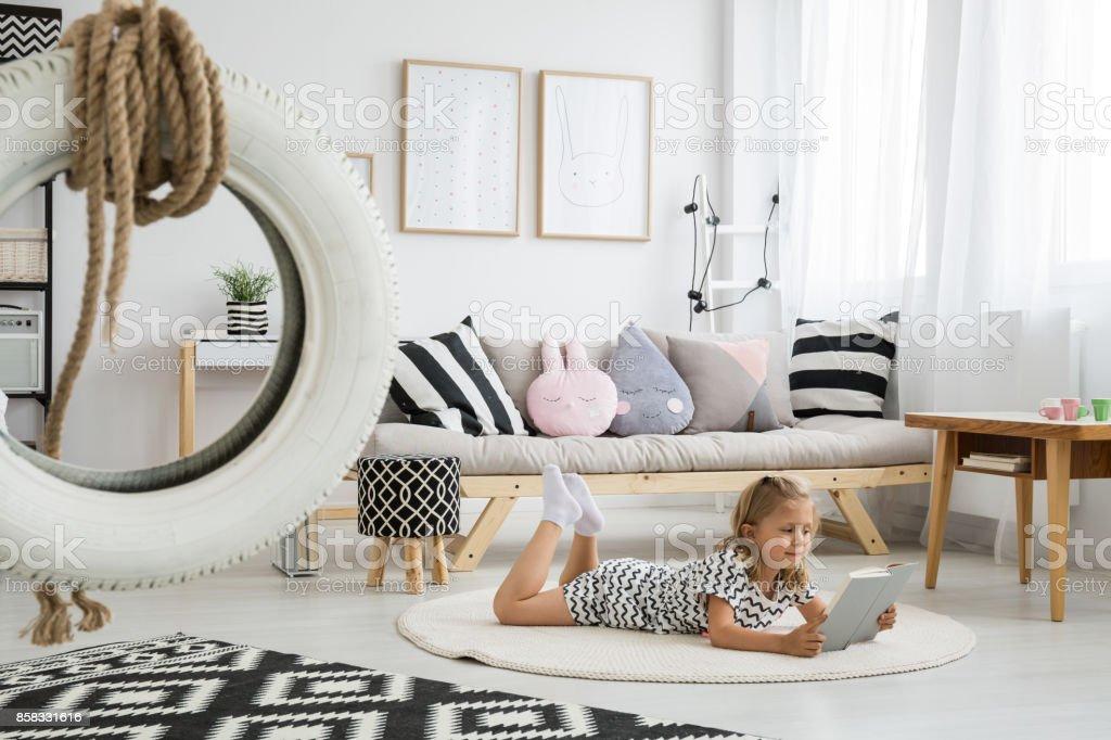 Cute girly scandi room