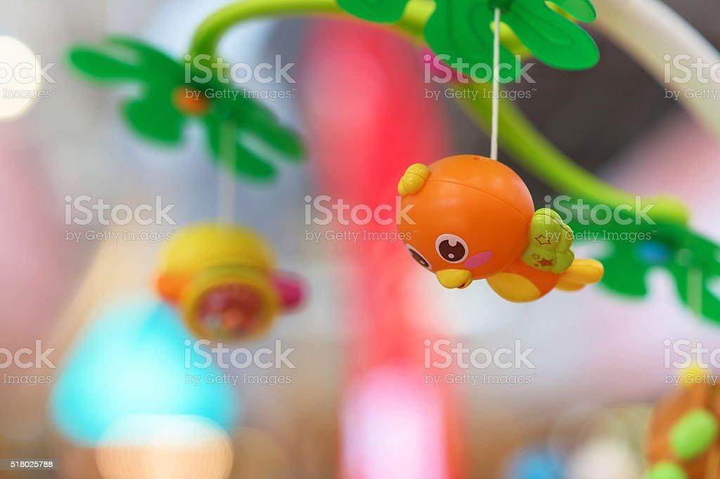 Niedlich hängende Vogel Spielzeug für Babys – Foto