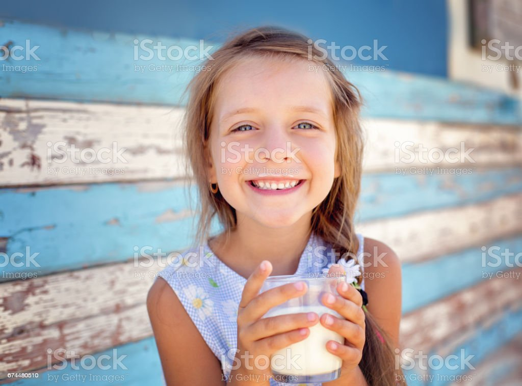 cute little girl - foto de stock