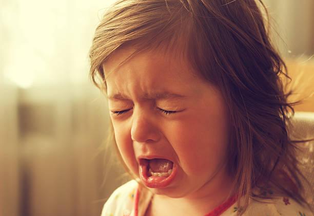 cute little kid is crying. toned - imagens de lagrimas - fotografias e filmes do acervo