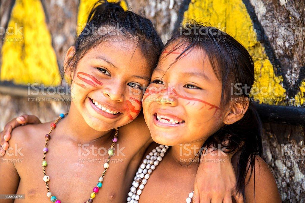 Mädchen mit Brasilianern