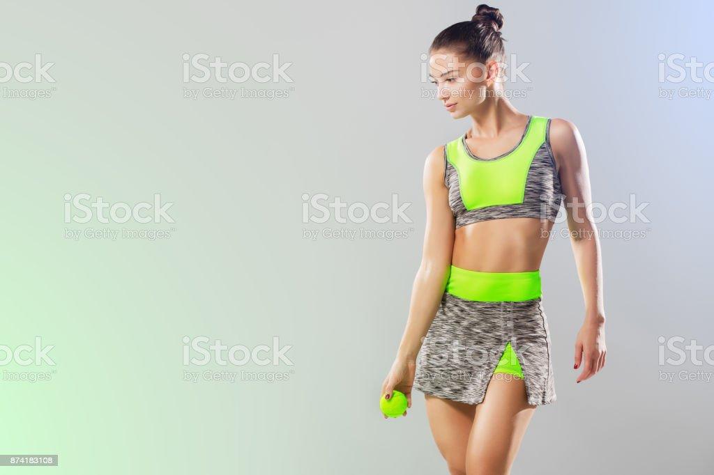 court de sport pour les fille maigre