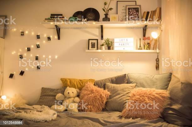 Cute teen bedroom picture id1012545584?b=1&k=6&m=1012545584&s=612x612&h=ng3demmlbvl7wzwj3kgbp5 b1ilcditpzawayvoy8ey=