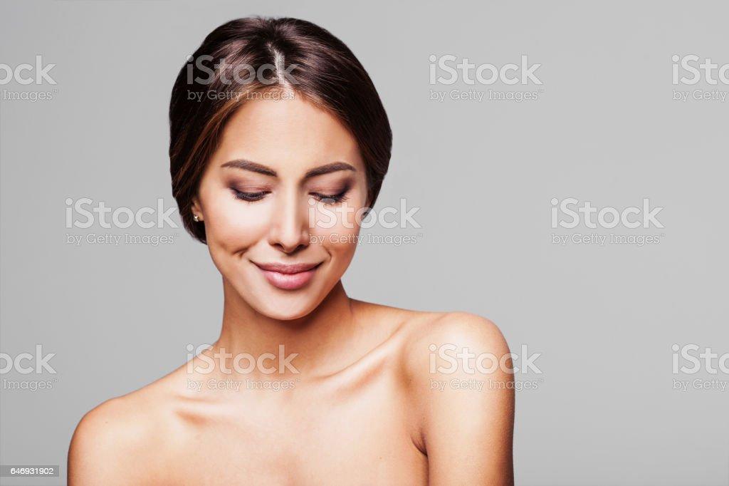 Retrato de estudio de belleza de mujer Linda - foto de stock