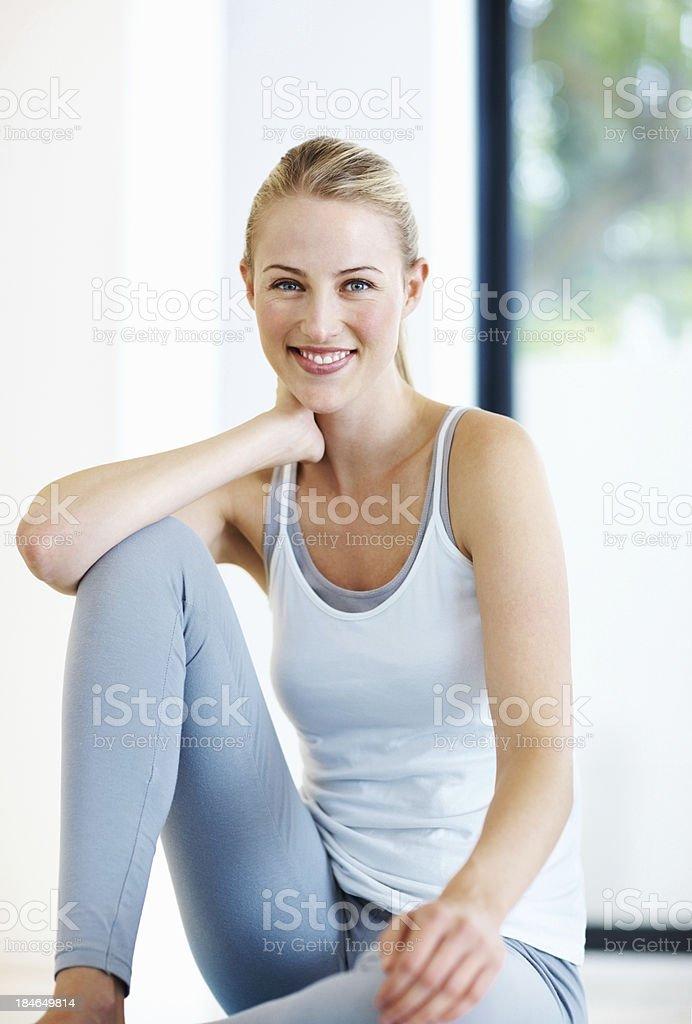 Hübsche Frau mit Sportbekleidung – Foto