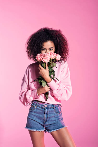 Cute young afro woman holding flowers picture id688966052?b=1&k=6&m=688966052&s=612x612&w=0&h=942h4p9c9lsjs2kbnklnoe5bzzxigbyedwwsomba 9u=