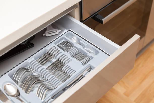 besteck schublade - küchenorganisation stock-fotos und bilder