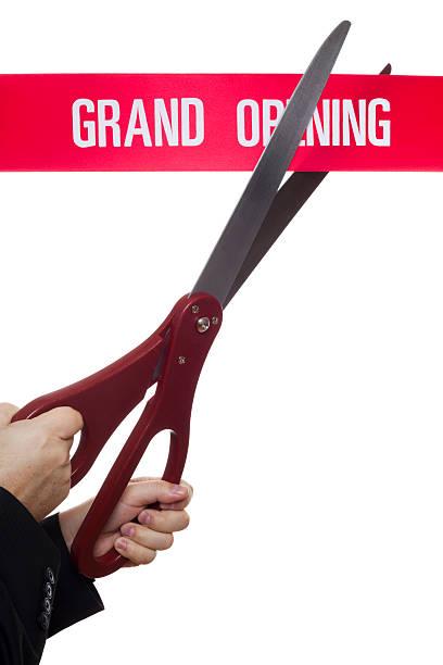 cortar con tijera plano - gran inauguración fotografías e imágenes de stock