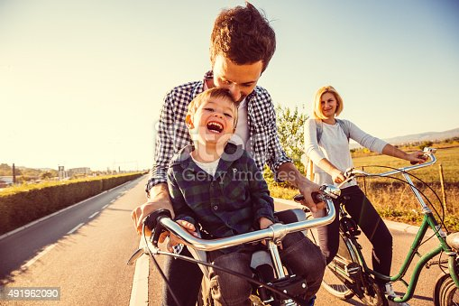 istock Cycling family 491962090