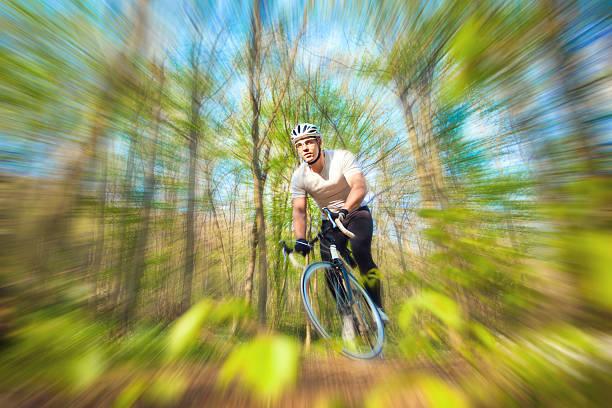 radfahren im wald - cyclocross stock-fotos und bilder