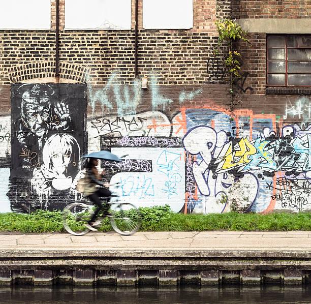 radfahren auf regent's canal - sprüche englisch stock-fotos und bilder