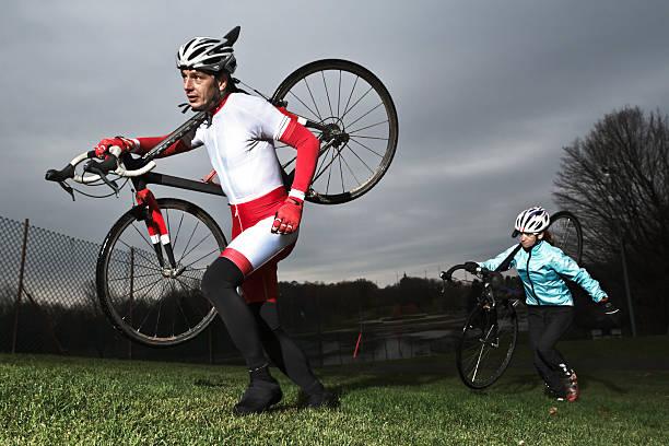 cyclo-cross-training - cyclocross stock-fotos und bilder