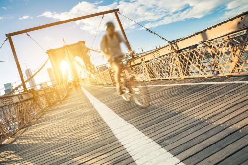 Cyclyst on Broklyn Bridge in New York