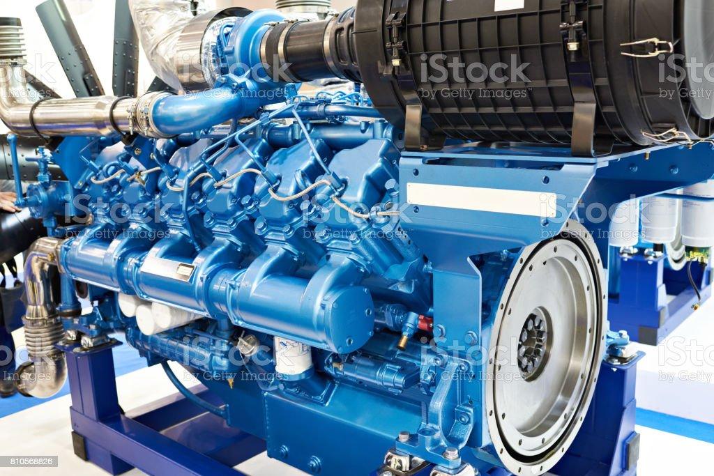 Fotografía de Motor Diesel De 12 Cilindros y más banco de imágenes ...