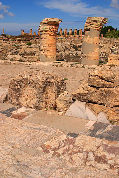 kyrene archäologischen ausgrabungsstätte kyrenaika, libyen bis zum unesco weltkulturerbe gehört. - imperialismus stock-fotos und bilder