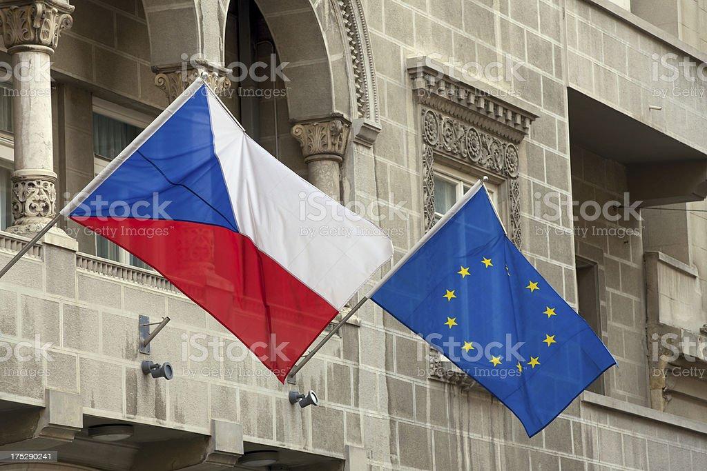 Checo y Banderas de la UE - foto de stock