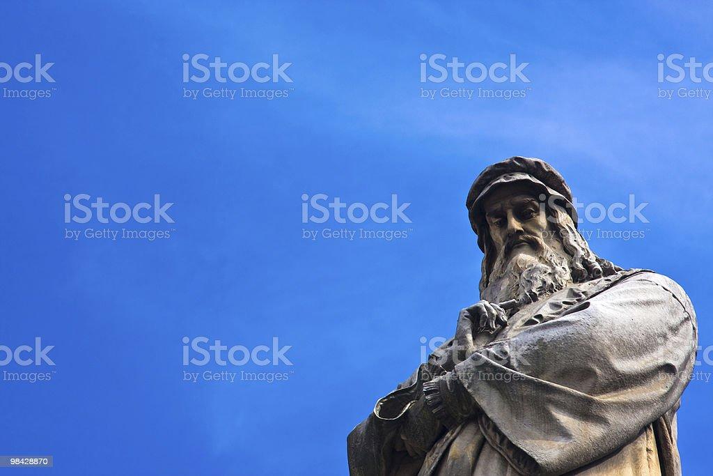 Da Vinci statue stock photo