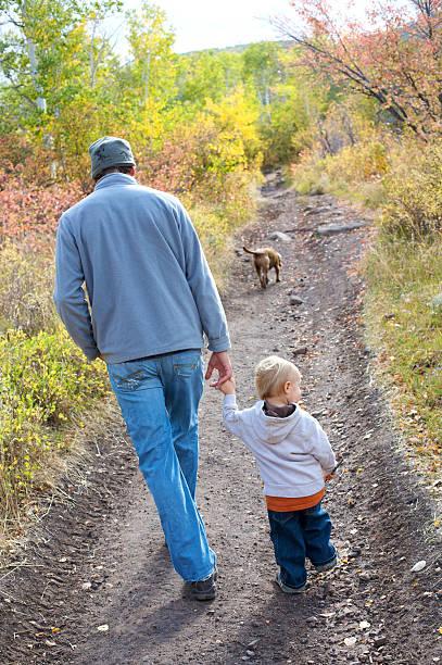 Dad son dog hike picture id146953271?b=1&k=6&m=146953271&s=612x612&w=0&h=fiosgokzdiruytyfidp kz8jcoioy9ezs0wcl1mtbuq=