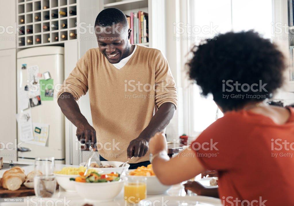Papa hilft immer Mama ich die Küche – Foto