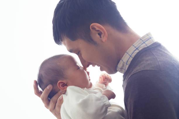 パパと赤ちゃん - 父親 ストックフォトと画像