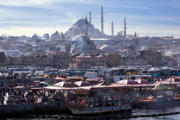 Daily life in istanbul and suleymaniye mosque picture id1092888822?b=1&k=6&m=1092888822&s=612x612&w=0&h=nywylsnanlms1zpqzjzfdq2ekm46n wjedobdrzgyhq=