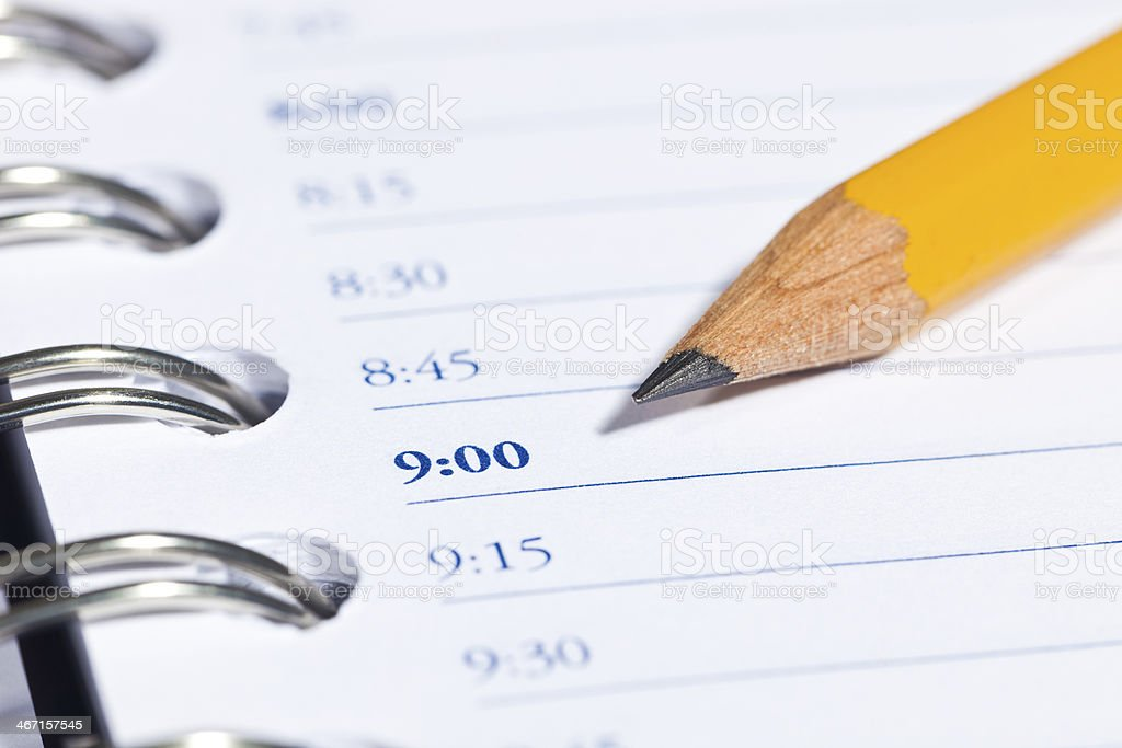 Täglich Planner mit gelben Bleistift – Foto