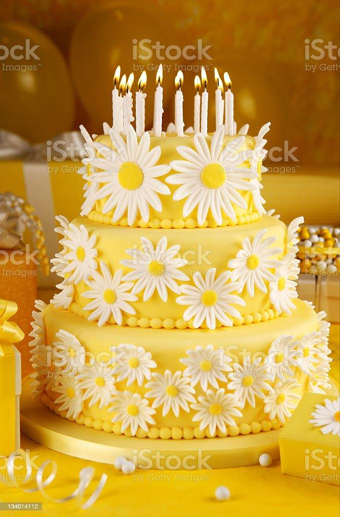 Daisy birthday cake stock photo