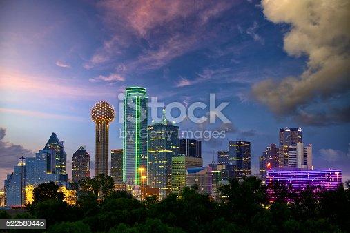 istock Dallas at dusk 522580445