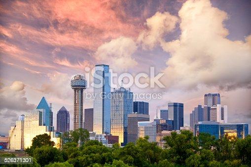istock Dallas at sunset 526371301