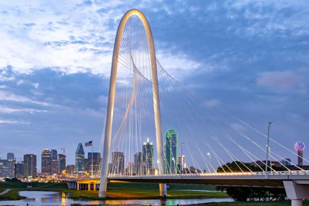 Dallas vom Trinity River aus – Foto