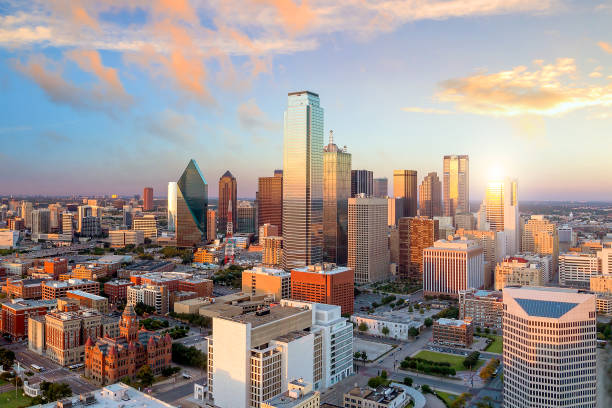 dallas, texas cityscape - financial district stock pictures, royalty-free photos & images