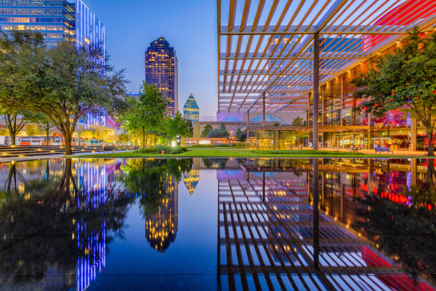 даллас техас центр города - деловой центр города стоковые фото и изображения