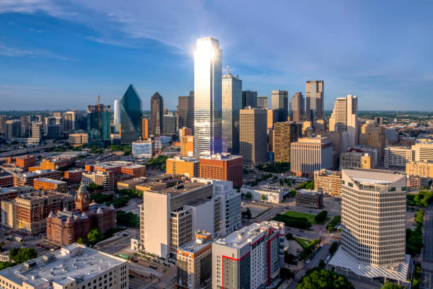 Skyline von Dallas Texas in der Dämmerung – Foto