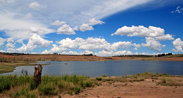 dam empty lake - lake eucumbene stock photos and pictures