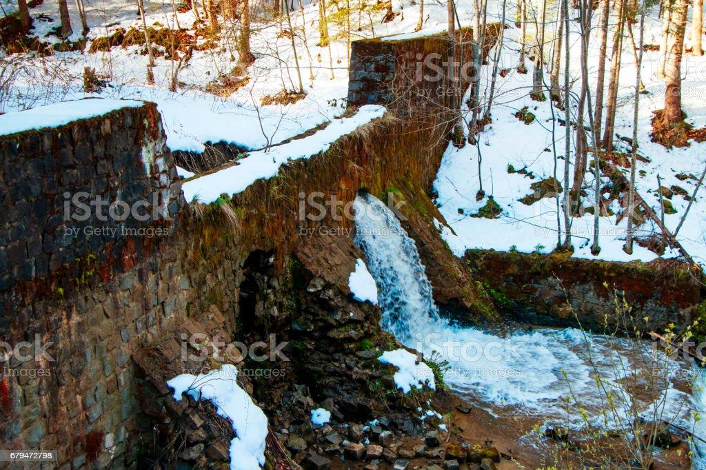 水壩在水裡 免版稅 stock photo