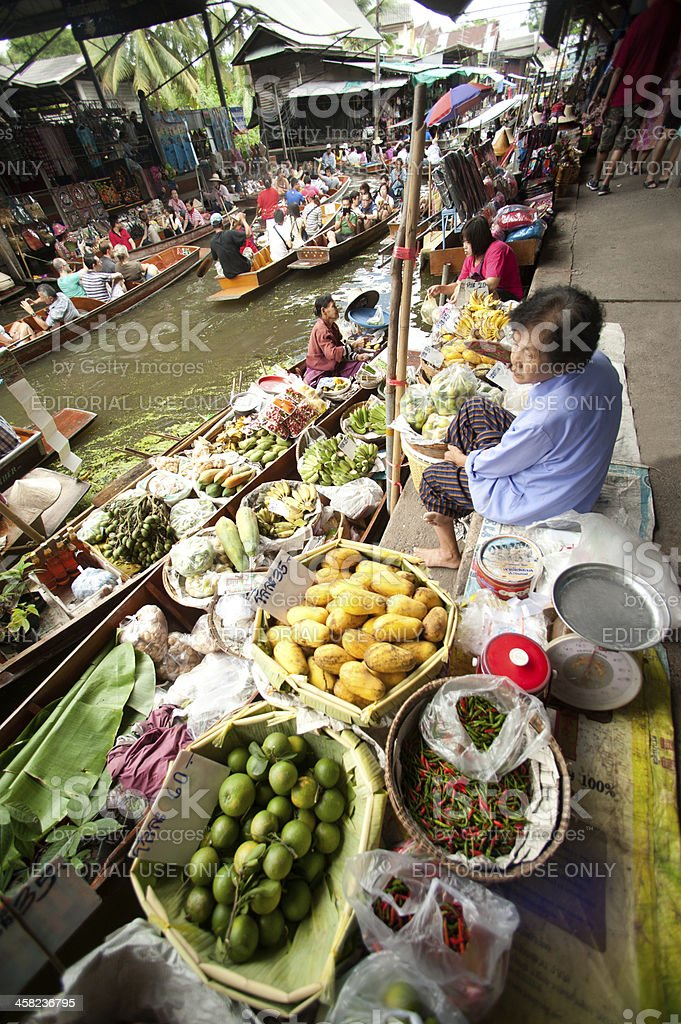 Dam Nuan Saduak floating market in Middle of Thailand. royalty-free stock photo