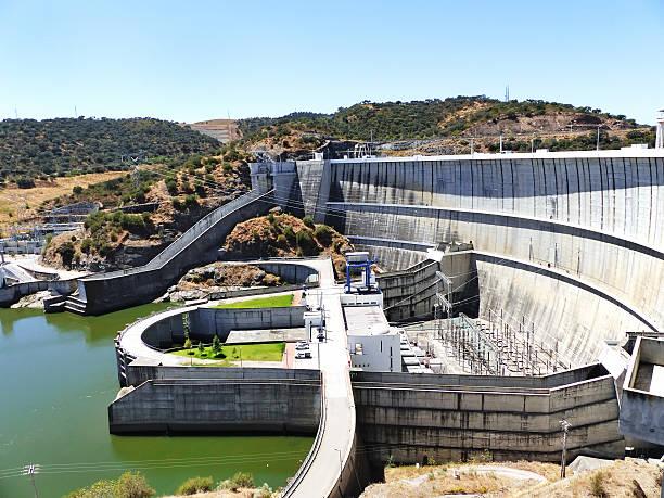 dam of a hydroelectric power station barrage, portugal - fotos de barragem portugal imagens e fotografias de stock