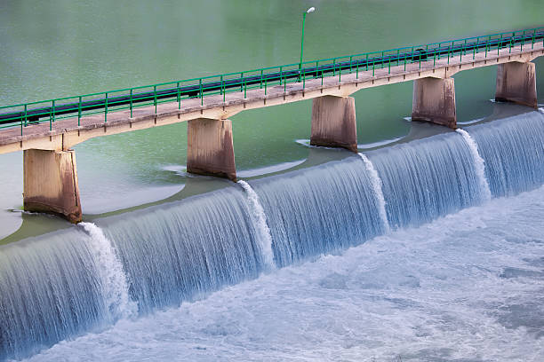 плотина - энергия воды стоковые фото и изображения