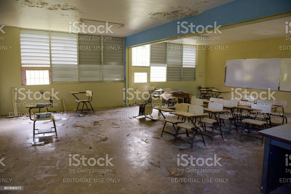 Beschädigte Schule – Foto