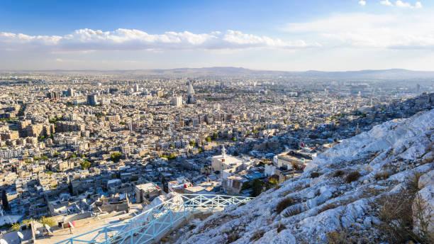 damas (ville de jasmine), la capitale et la deuxième plus grande ville de syrie après alep. - damas en matière textile photos et images de collection