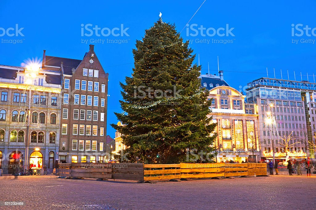 Damsquare In Amsterdam Weihnachten In Den Niederlanden Stockfoto und ...