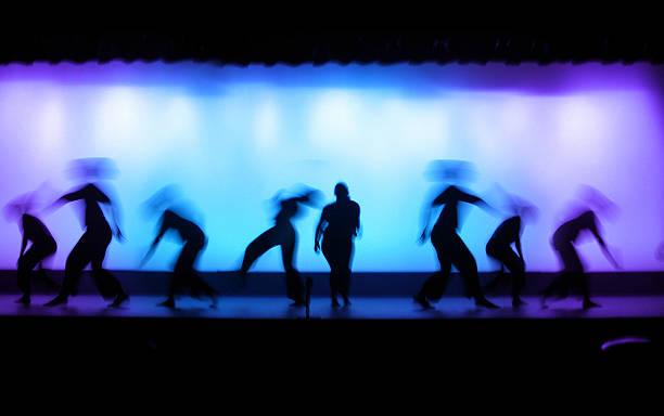 tanztheater - stage musical stock-fotos und bilder