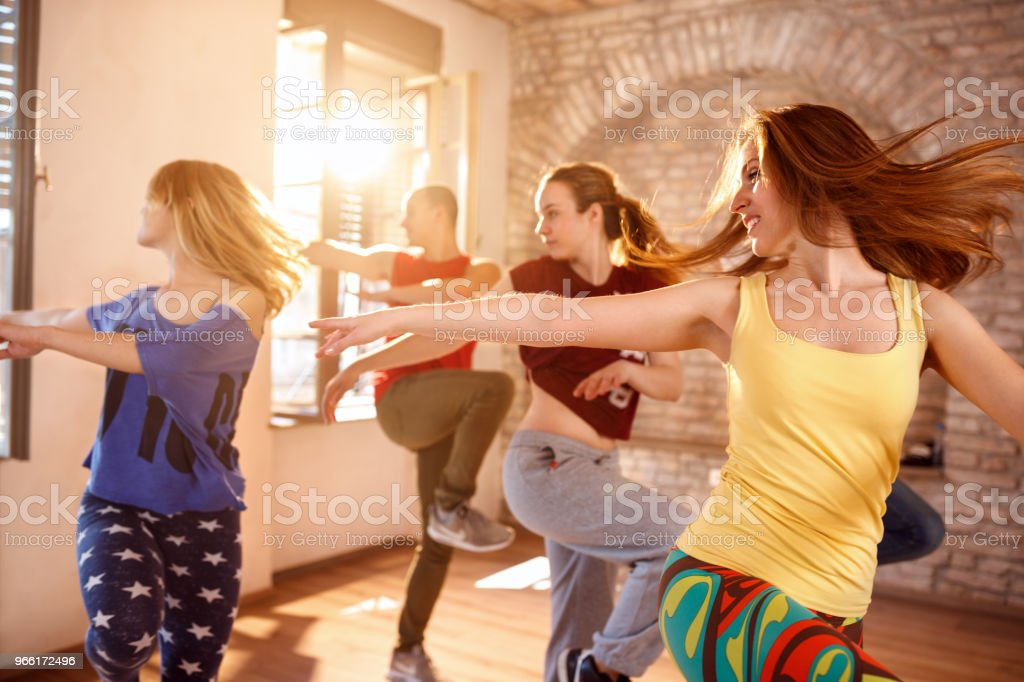 Tänzer tanzen im Tanz studio - Lizenzfrei Aktiver Lebensstil Stock-Foto