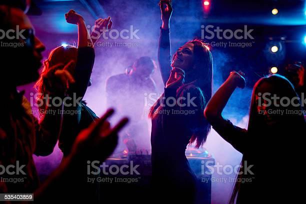 Dancing at disco picture id535403859?b=1&k=6&m=535403859&s=612x612&h=zycbc7tacanzlpa xz efucemm8cn5l9kdo2bd9nb8s=