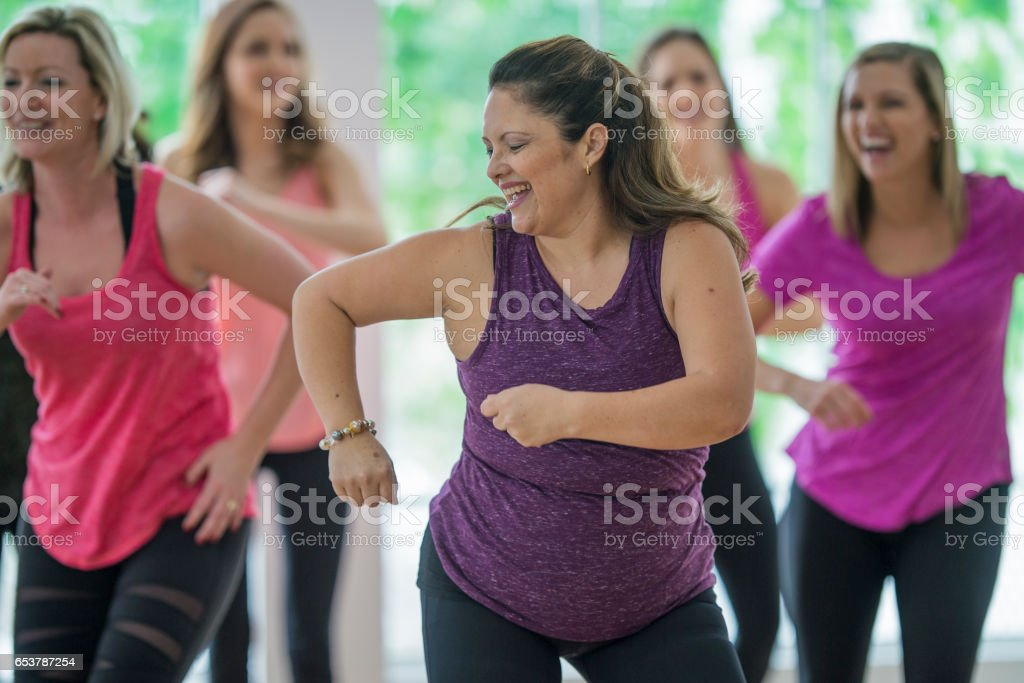 Dancing Together in a Fitness Class - foto stock