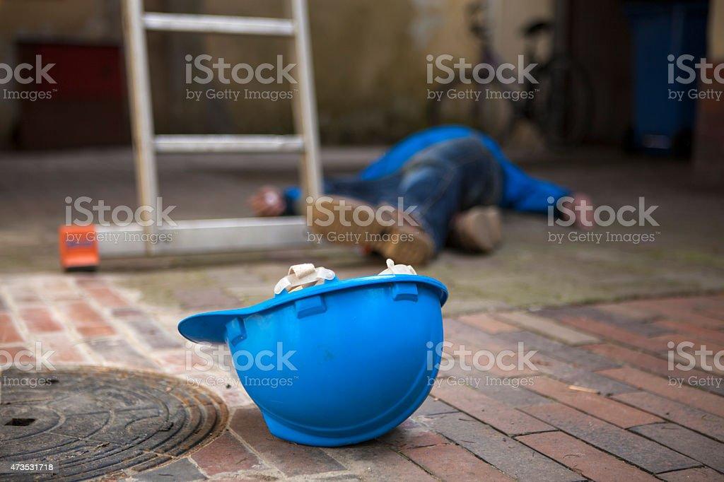 Peligroso accidente durante el trabajo - foto de stock